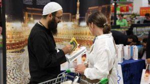 Жители Лондона рассказывают об Исламе на улицах