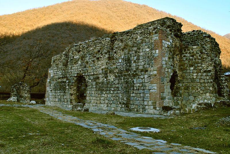 Христианская базилика 5-6 века в селе Кум, Кахский район Азербайджана