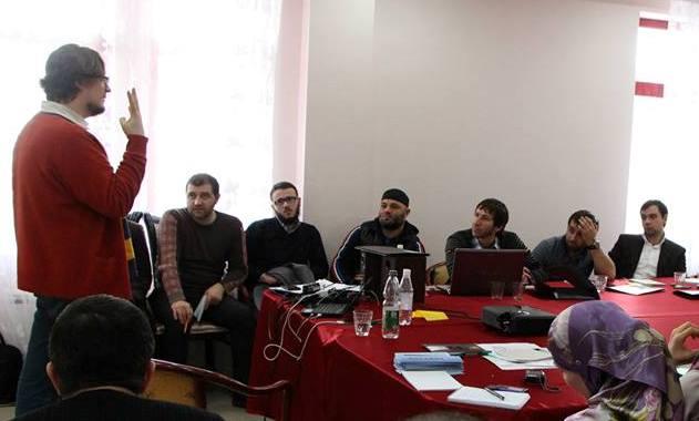 Илья ПЕРЕСЕДОВ проводит тренинг по созданию Интернет ТВ
