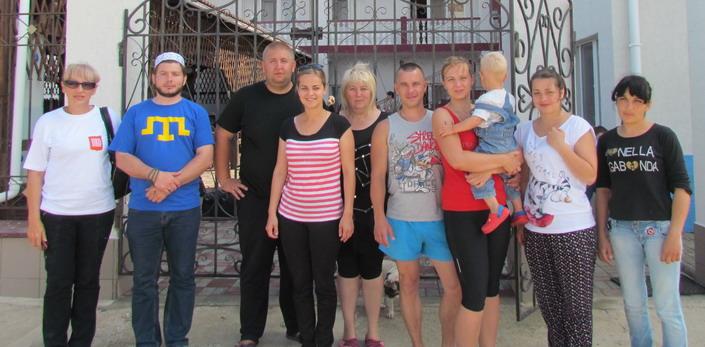Т. Чолханов с крымчанами
