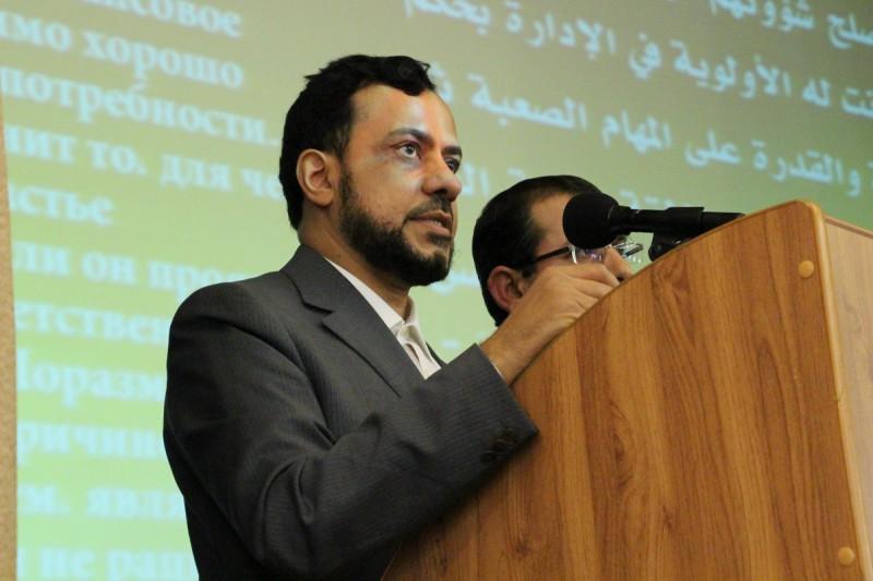 Доктор коранических наук, декан факультета социологии и обществознания университета в Эр-Рияде Мухаммад аль-Хашим.