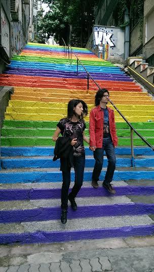 ЛГБТ остались в Турции лишь раскрашенными лестницами. На выборах значение имели этнические, а не сексменьшинства